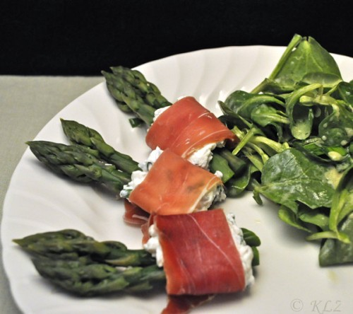 Asparagus with Ham and Goat Cheese