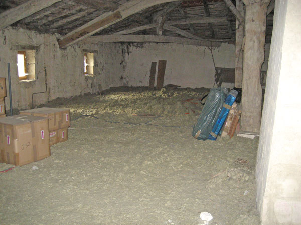 how to get rid of insulation fluff