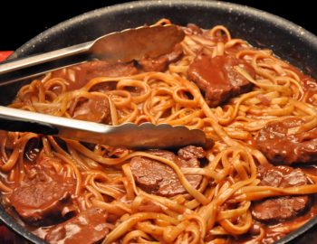 Linguine with Pork and Red Wine Sauce