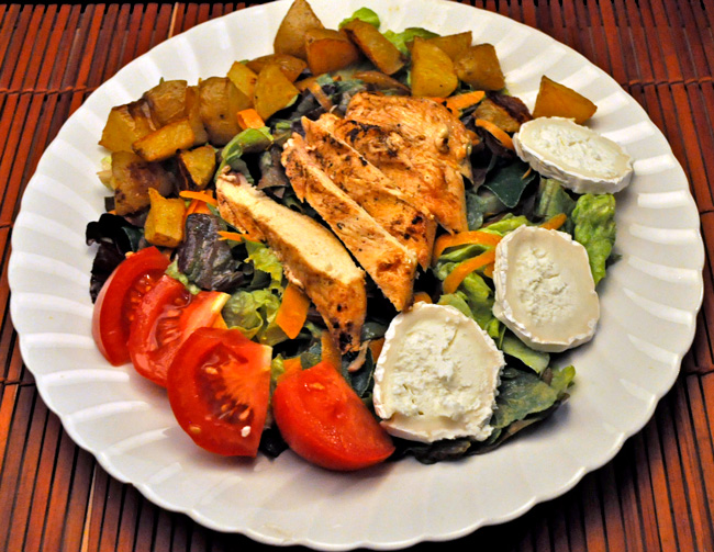 Lettuce Salad with Grilled Chicken