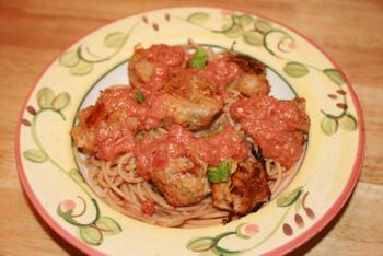 Turkey meatballs with cream tomato sauce