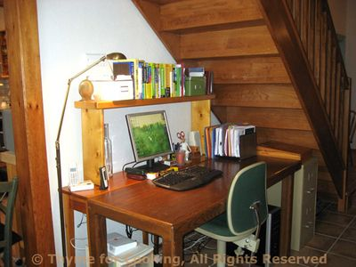 Stairs_desk