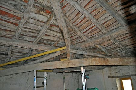 Ceiling_spare_room
