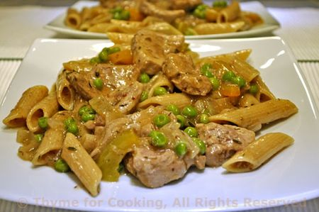 Pasta with Pork, Peas, Peppers